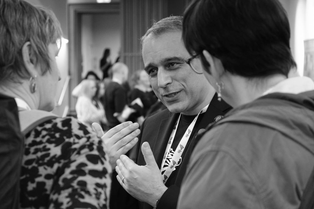 Dr. Alan Hakim talks to attendees of the Ehlers-Danlos Society conference in Edinburgh, UK